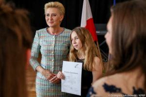 Agata Duda - najlepsze stylizacje Pierwszej Damy